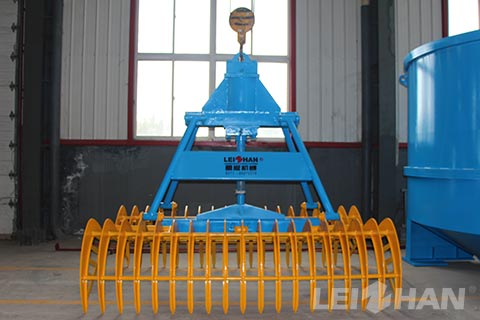 Grapple-for-Waste-Paper-Pulping-Process